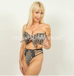 Corrie tescort escort girl massage érotique à Thuir 66