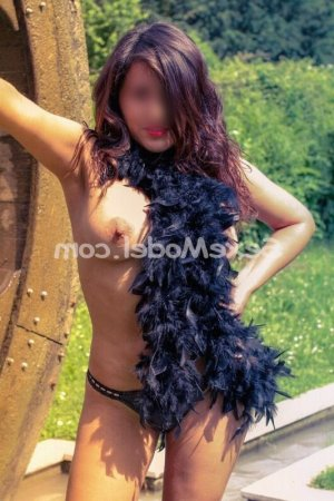Leina massage escorte girl lovesita à Achères